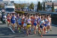 1区を力走する選手たち=前橋市で2018年1月1日、渡部直樹撮影