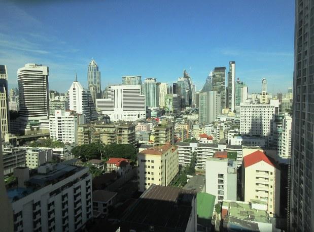 大発展を遂げたタイの首都バンコクの摩天楼。いわゆる「グラマラス」な光景の典型