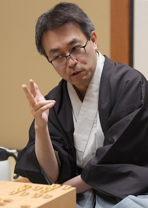 囲碁・将棋スペシャル:将棋 羽生善治永世7冠 19歳竜王から28年 ...