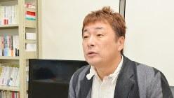 千葉商科大学専任講師の常見陽平さん=2017年12月19日、田中学撮影