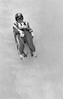 リュージュ女子1人乗り。大高優子選手の1回目の滑り。最終結果は5位入賞=札幌市の手稲山リュージュ競技場で1972年2月4日、岩渓清光撮影