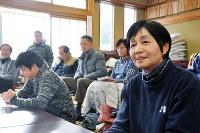 地域活性化に向けて意見を述べる三重・森本地区の住民たち=京都府京丹後市大宮町で、塩田敏夫撮影