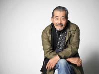 「これまで大きな影響を受けた一人は、映画監督の大島渚さん。僕の俳優人生を変えてくれた」=東京都目黒区で、中村藍撮影