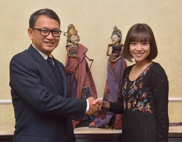 「仲川遥香 インドネシア親善大使」の画像検索結果