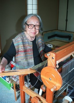 城みさをさん 104歳=さをり織り創始者(1月10日死去)