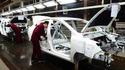 電気自動車(EV)の製造ライン=中国・合肥市の安徽江淮汽車集団で2017年12月6日、赤間清広撮影