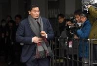 日本相撲協会理事候補選挙の投票に臨む貴乃花親方=東京・両国国技館で2018年2月2日午後1時31分、丸山博撮影