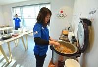 和食を中心に料理が提供されるJOC G-Road Station=韓国・江陵で2018年2月6日午前8時54分、手塚耕一郎撮影