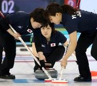 ソチ五輪で活躍した日本女子カーリング==ロシア・ソチのアイスキューブ・センターで2014年2月12日、貝塚太一撮影