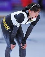 500メートルのタイムトライアルを終えた郷亜里砂=韓国・江陵オーバルで2018年2月7日、手塚耕一郎撮影
