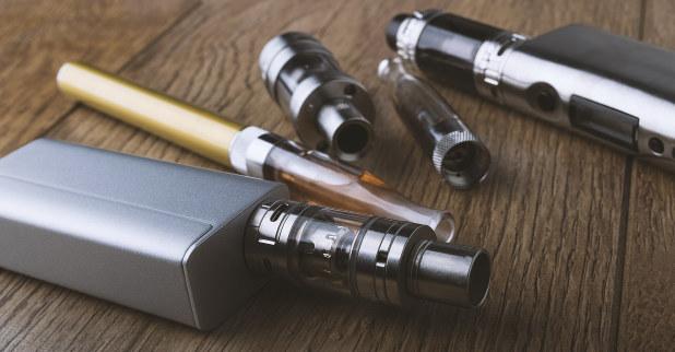 液体を加熱して吸う「電子たばこ」も普及し始めている