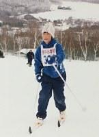 長野県出身のジャンプ選手は中学生まで原則的に複合にも出る。岩渕香里は中学まで複合をしていた。写真は小学3年生のころ=家族提供