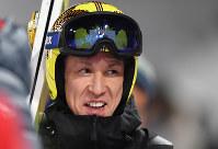 【平昌五輪】スキージャンプ男子ノーマルヒルの公式練習を終え、ホッとした表情を浮かべる葛西紀明=アルペンシア・ジャンプセンター2018年2月7日、山崎一輝撮影