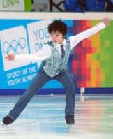 フィギュアスケート男子SPで演技をする宇野昌磨=2012年1月14日、芳賀竜也撮影