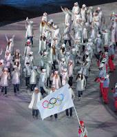 開会式で入場行進するロシアからの五輪選手(OAR)たち=韓国・平昌五輪スタジアムで2018年2月9日午後8時54分、手塚耕一郎撮影