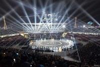 ライトで包まれる開会式会場=韓国・平昌五輪スタジアムで2018年2月9日、手塚耕一郎撮影