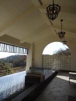 初の温泉施設「ブリサ マリナ」