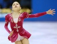 全日本選手権の女子フリーで演技する宮原知子=真駒内セキスイハイムアイスアリーナで2012年12月23日、貝塚太一撮影