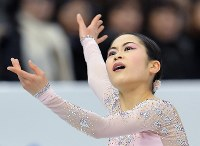 GPファイナル・女子SPで演技する宮原知子=名古屋市の日本ガイシホールで2017年12月8日、手塚耕一郎撮影