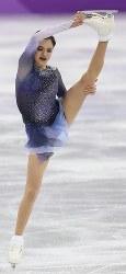 フィギュア団体の女子SPで80点を超える得点で首位になったメドベージェワ=江陵アイスアリーナで2018年2月11日、佐々木順一撮影