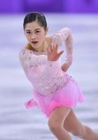 フィギュア団体の女子SPで演技する宮原知子=韓国・江陵アイスアリーナで2018年2月11日、手塚耕一郎撮影