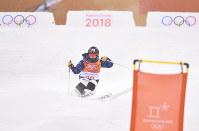 モーグル女子、村田愛里咲の決勝1回目の滑り=フェニックス・スノーパークで2018年2月11日、宮間俊樹撮影