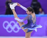 Evgenia Medvedeva, of the Olympic Athletes of Russia, skates during the ladies single short program of the figure skating team event at the Gangneung Ice Arena at the 2018 Winter Olympics in Gangneung, South Korea, on Feb. 11, 2018. (Mainichi)