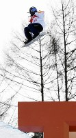 スノーボード女子ハーフパイプ予選2回目でエアを決める今井胡桃=フェニックス・スノーパークで2018年2月12日、山崎一輝撮影