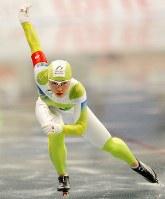 全日本距離別選手権・女子500メートルで初優勝した小平奈緒=長野市のエムウェーブで2009年10月23日、須賀川理撮影
