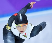 女子1500メートルを滑走する小平奈緒=江陵オーバルで2018年2月12日、手塚耕一郎撮影