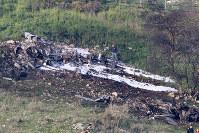 シリア軍のミサイル攻撃を受け墜落したイスラエル空軍のF16戦闘機の残骸=イスラエル北部で10日、ロイター