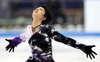 NHK杯男子SPで5位となった羽生結弦=日本ガイシアリーナで2010年10月23日、貝塚太一撮影