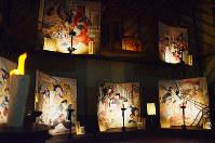 絵金の世界に引き込まれる絵金蔵の館内=高知県香南市赤岡町で、岩間理紀撮影