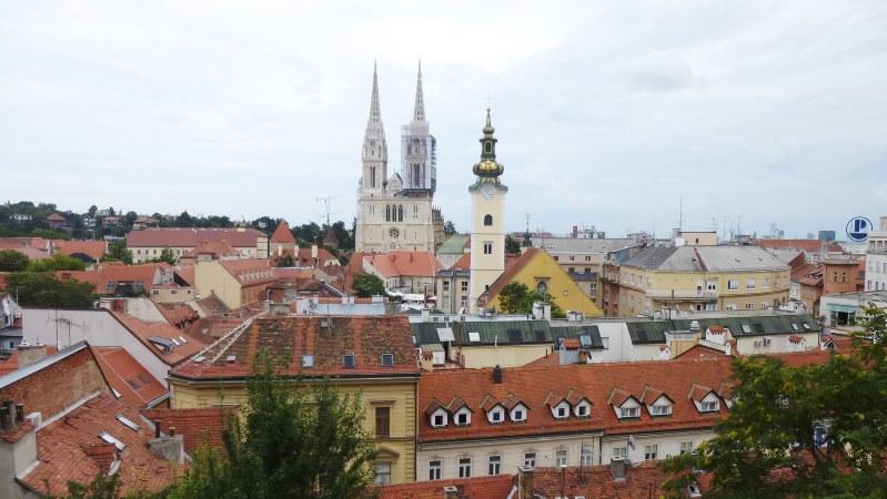 ザグレブ旧市街のシンボル・ザグレブ大聖堂。クロアチアはカトリックの国(写真は筆者撮影)