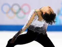 Yuzuru Hanyu, who won the men's figure skating gold at the Sochi Winter Olympics, performs during the free skating program at the games in Sochi, Russia, on Feb. 14, 2014. (Mainichi)