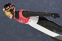 【平昌五輪】スキージャンプ男子ラージヒル予選の小林陵侑の飛躍=アルペンシア・ジャンプセンターで2018年2月16日、宮間俊樹撮影