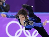 Shoma Uno performs in the men's figure skating free program at the Gangneung Ice Arena at the 2018 Winter Olympics in South Korea, on Feb. 17, 2018. (Mainichi)