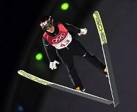 【平昌五輪】スキージャンプ男子ラージヒル、小林潤志郎の1回目の飛躍=アルペンシア・ジャンプセンター2018年2月17日、山崎一輝撮影