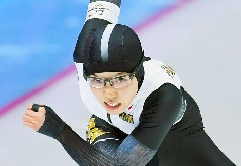 【平昌五輪】女子500メートルで滑走する小平奈緒=江陵オーバルで2018年2月18日、手塚耕一郎撮影