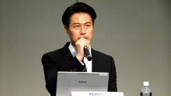 森田仁基・ミクシィ社長=東京都内で2018年2月14日、今沢真撮影