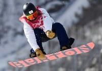 【平昌五輪】スノーボード女子ビッグエア予選1回目で技を決める藤森由香=アルペンシア・ジャンプセンター2018年2月19日、山崎一輝撮影