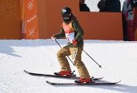 【平昌五輪】フリースタイルスキー女子ハーフパイプ決勝2回目の演技に臨む小野塚彩那=フェニックス・スノーパークで2018年2月20日、山崎一輝撮影