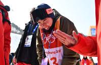 【平昌五輪】フリースタイルスキー女子ハーフパイプ決勝を終えて涙を流す小野塚彩那=フェニックス・スノーパークで2018年2月20日、宮間俊樹撮影