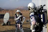 2月18日、イスラエルの科学者6人が、南部の砂漠地方ネゲブで4日間にわたり実施した火星生活のシミュレーションを終了した。イスラエル科学技術省が明らかにした(2018年 ロイター/Ronen Zvulun)