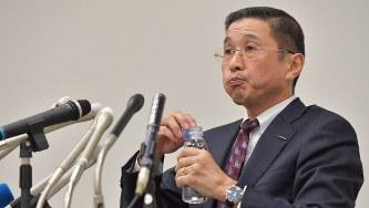 無資格検査問題の記者会見にのぞむ日産自動車の西川広人社長=2017年10月2日、西本勝撮影