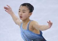女子SPを前に公式練習に臨む坂本花織=江陵アイスアリーナで2018年2月21日、手塚耕一郎撮影