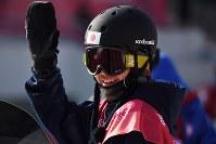 【平昌五輪】スノーボード男子ビッグエア予選2回目を終え、笑顔を見せる大久保勇利=アルペンシア・ジャンプセンターで2018年2月21日、山崎一輝撮影