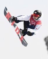 【平昌五輪】スノーボード男子ビッグエア予選1回目、国武大晃のエア=アルペンシア・ジャンプセンターで2018年2月21日、山崎一輝撮影