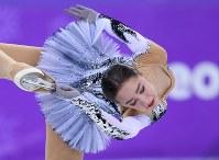 女子SPで演技するアリーナ・ザギトワ=江陵アイスアリーナで2018年2月21日、手塚耕一郎撮影