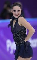 女子SPで3位につけたカナダのケイトリン・オズモンドの演技=江陵アイスアリーナで2018年2月21日、手塚耕一郎撮影